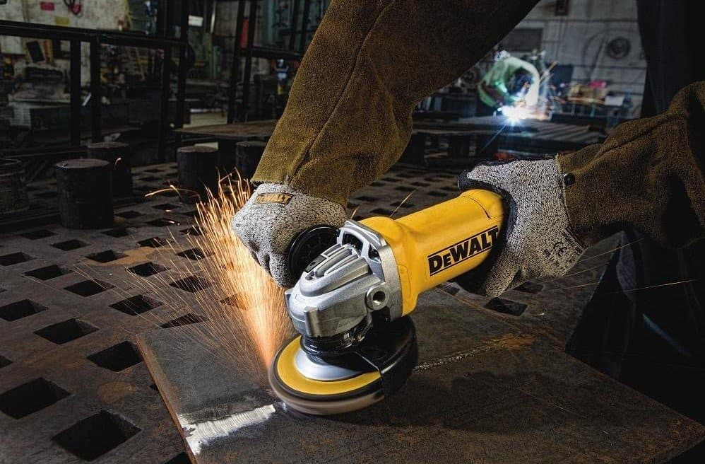 Cut concrete with angle grinder