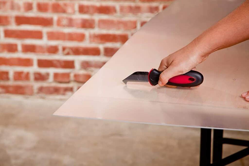 How to Cut Plexiglass with a Utility Knife